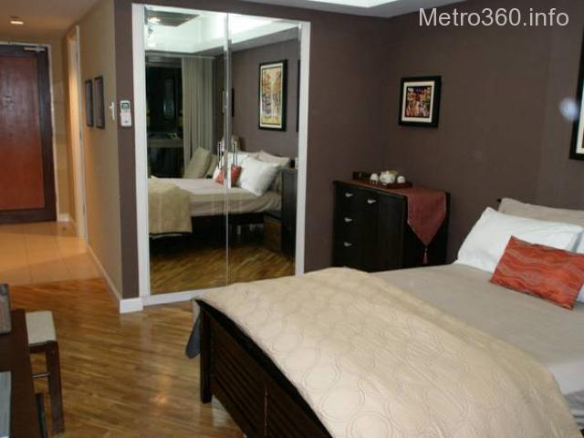 Vacation Condo Rental in Makati (Rockwell)